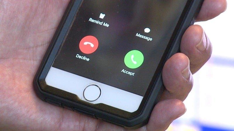Telefonla konuşurken gelen aramayı görme